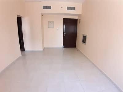Hot offer very huge 1bhk full family building near safari mall no deposit 19k