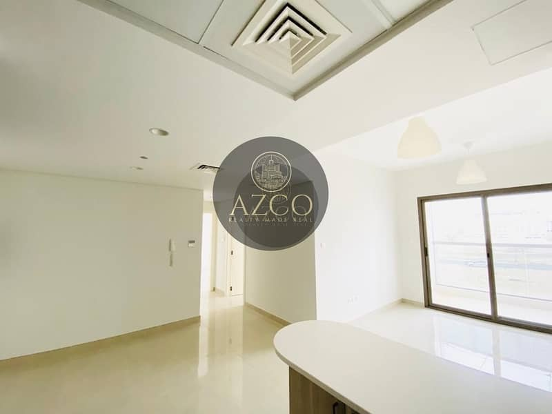 10 2 BEDROOM | WHITE AND BRIGHT FINISHES| LUSCIOUS BALCONY VIEW