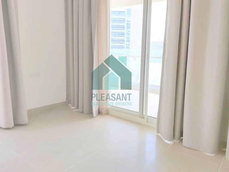 Facing Burj & Park Luxuries 1 BR Fully Furnished For Sale!!