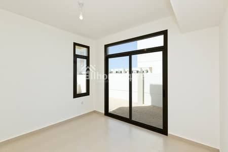 4 Bedroom Villa for Sale in Town Square, Dubai - Ready to Occupy | Affordable 4BR Townhouse | Call Now