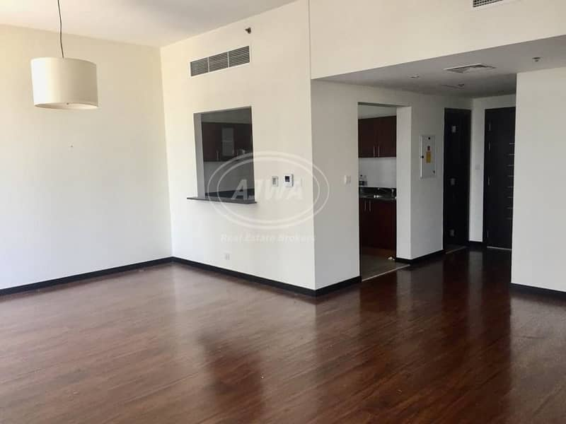 2 1 BR In Green Lakes   near metro station