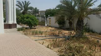 *** Superb Deal - Luxurious 5BHK duplex villa with huge garden space in Al Falaj, Sharjah