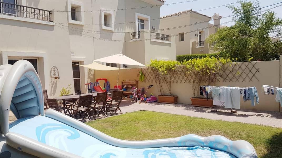 10 Amazing 3BR+Study Villa in Alma 1