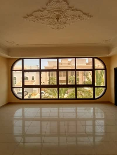 Studio for Rent in Al Karamah, Abu Dhabi - LAVISH BIG STUDIO WITH PARKING FOR 3200/MONTH IN KARMA AREA BEHIND ADCB BANK AIRPORT ROAD