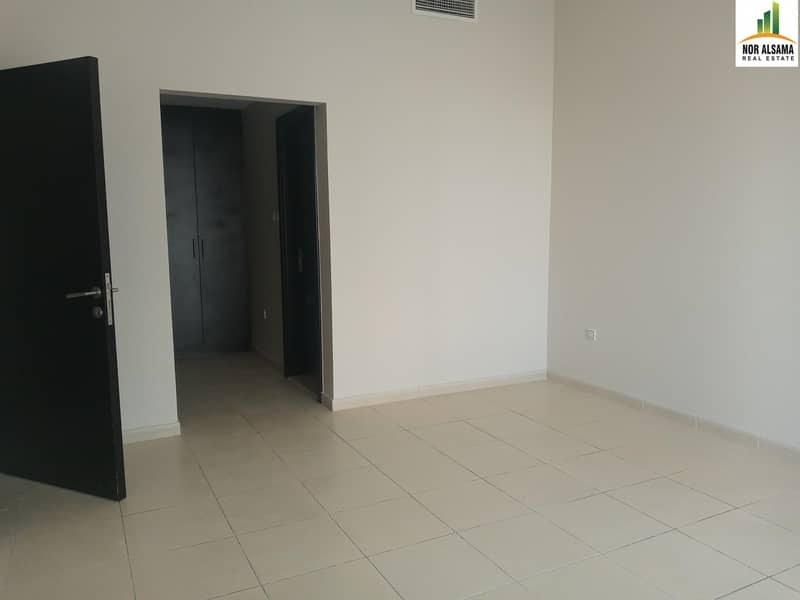 2 SUPER OFFER !!! Large 3 bedroom 3 Balconies  Maid's Laundry Store in Queue Point-Liwan