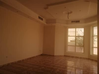 فیلا 4 غرف نوم للايجار في الخوانیج، دبي - فيلا للايجار فى الخوانيج : 4 غرف ماستر مع غرفة خادمة