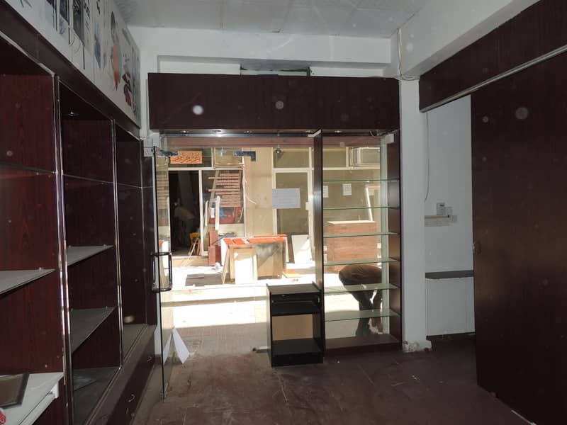 10 SHOP AVAILABLE FOR RENT NEAR ASTORIA HOTEL