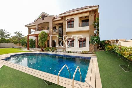 5 Bedroom Villa for Sale in Jumeirah Islands, Dubai - One of the Best Location|Lake View|5 Br Mansion|JI
