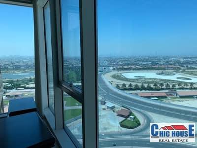 مکتب  للبيع في الخليج التجاري، دبي - Churchill Executive| with glass partition fully furnished with wooden panelling...must see off