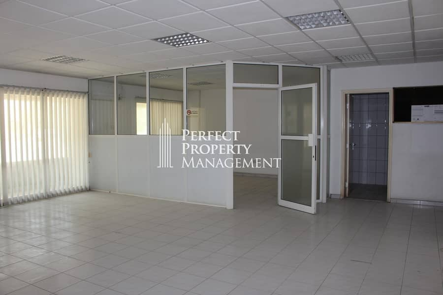 Huge office space for rent in a prime location near pearl round about