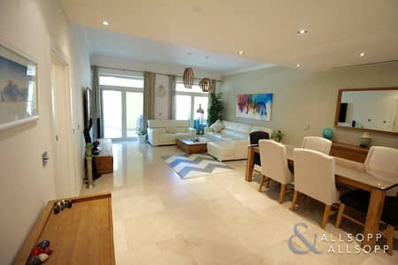 2 Bedroom Apartment for Sale in Palm Jumeirah, Dubai - Fully Upgraded | 2 Bed | Genuine Re-Sale