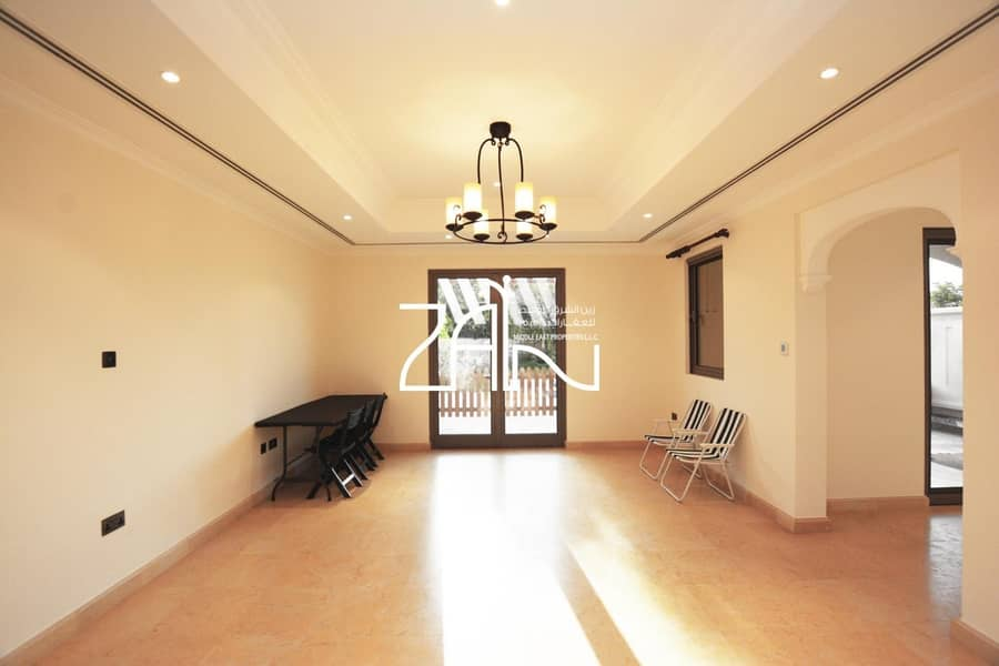2 Best Price! Superb 4 BR Townhouse in Great Location