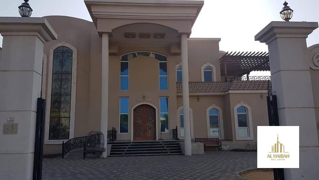 For sale two-storey villa with clues personal finishes