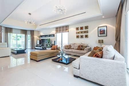 Upgraded 4BR | Luxurious Stunning Villa!