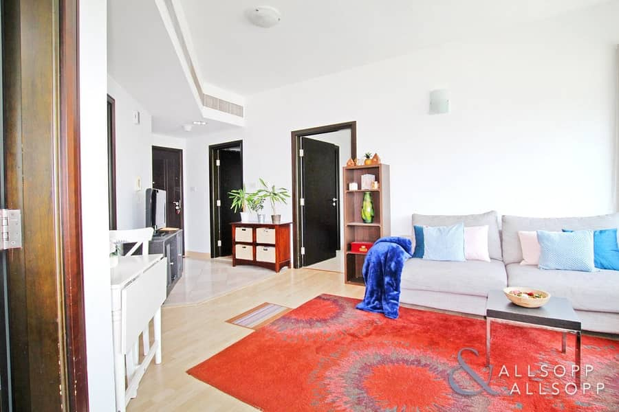 10 2 Bed | Vacant On Transfer | Next to Metro