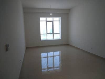 فلیٹ 2 غرفة نوم للايجار في الزاهية، أبوظبي - 2BR+Maids+Loundry-Meena Tower 95k Parking Gym & Pool