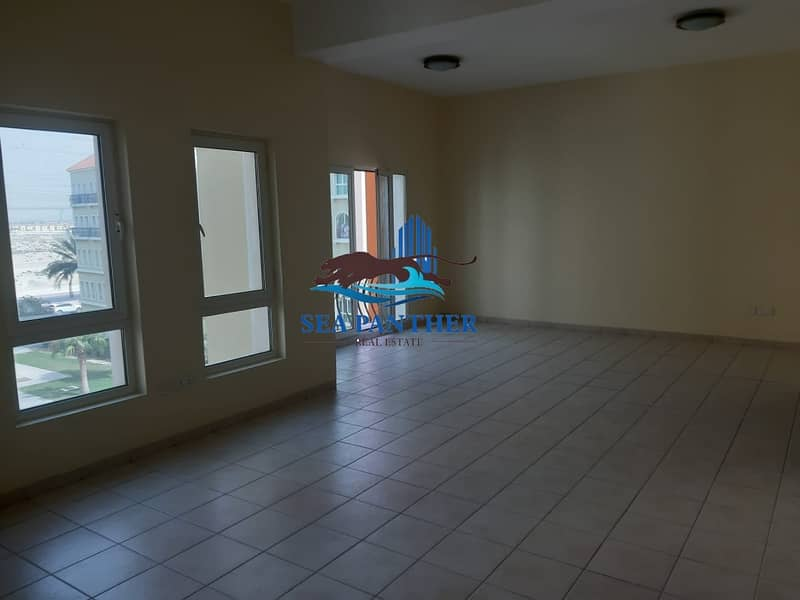 2 2 BEDROOM | DISCOVERY GARDENS | FAMILY FRIENDLY