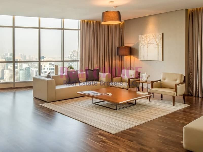 2 Spacious and Beautiful 4BR + M Penthouse|Furnished