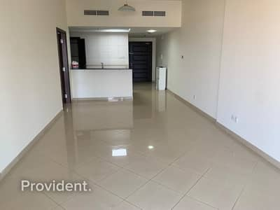 1 Bedroom Apartment for Rent in Jumeirah Lake Towers (JLT), Dubai - Bright and Spacious unit | Chiller Free
