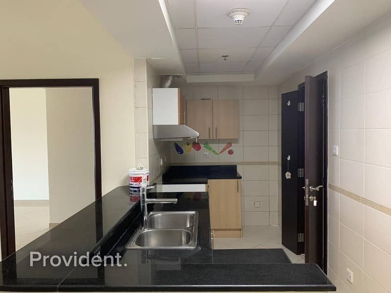2 Bright and Spacious unit | Chiller Free
