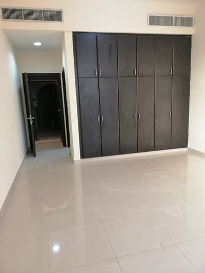1 Bedroom Apartment for Rent in Khalifa City A, Abu Dhabi - GET HURRY OUT CLASS EXTRA SPACIOUS ONE BEDROOM WITH TWO BATHROOM BIG SEPARATE KITCHEN CLOSE CENTRAL MALL KCA