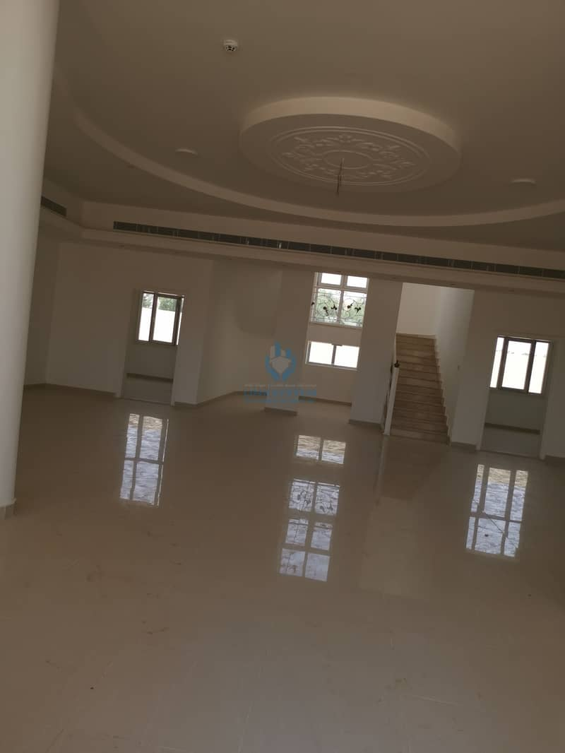 8 Villa for rent in zakher