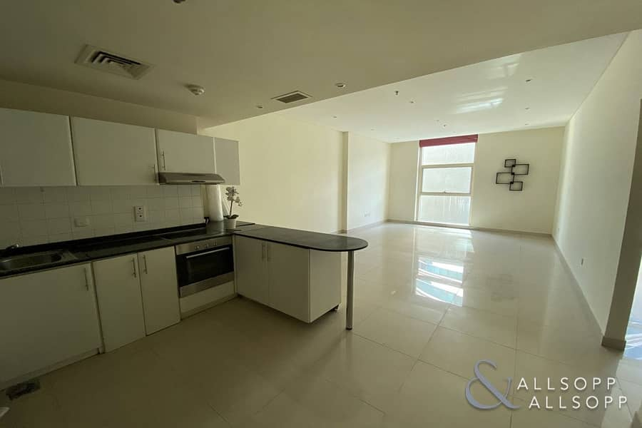 Close To Metro | Low Floor | Large Rooms<BR/><BR/>