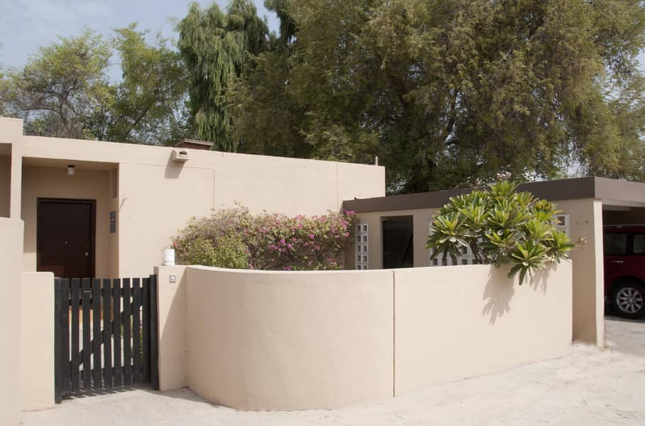 PRIVATE GARDEN-3 Bed Room Commercial Villa - No Commission