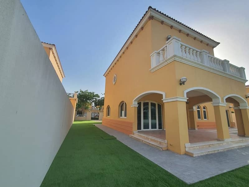 11 13 Months Contract 5 Bedroom District 2 Landscaped with  Pool Lake View
