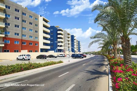 3 Bedroom Flat for Sale in Al Reef, Abu Dhabi - Spacious Vacant 3+M Apt Type C with Balcony For Sale