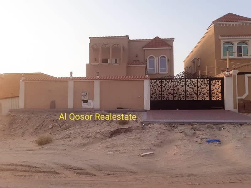 فيلا للبيع بعجمان منطقة المويهات تكييف مركزى بجوار مسجد مباشرة مع امكانية التمويل البنكى