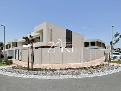 5 Bedroom Villa for Rent in Yas Island, Abu Dhabi - Corner Big Plot 5 BR Villa Type 3 in Great Location