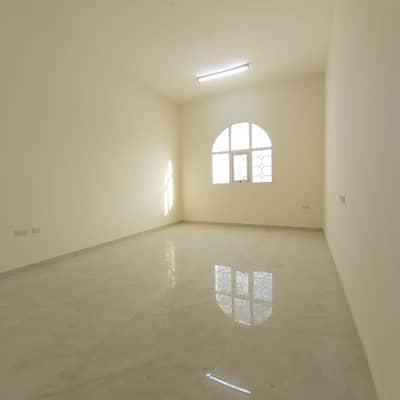 شقة 2 غرفة نوم للايجار في جنوب الشامخة، أبوظبي - شقة في جنوب الشامخة 2 غرف 45000 درهم - 4624918