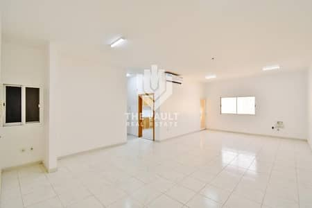 2 Bedroom Flat for Rent in Abu Shagara, Sharjah - Upgraded Spacious with Closed Kitchen | Call Now