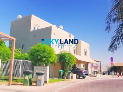 2 Bedroom Villa for Rent in Al Reef, Abu Dhabi - Close to the Gate ! 2Beds+Store w/ Private Garden