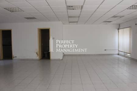 Office for rent - very spacious with good view - near RAK bridge in Old Ras Al Khaimah