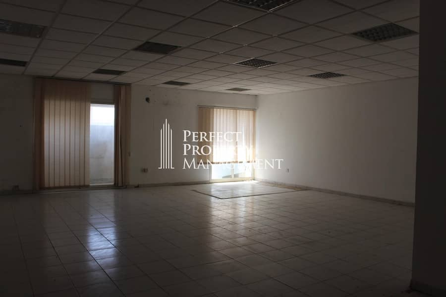 2 Office for rent - very spacious with good view - near RAK bridge in Old Ras Al Khaimah