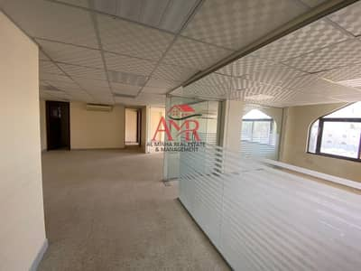 Office for Rent in Al Murabaa, Al Ain - Amazing 3 Rooms Glass Partitioned Office