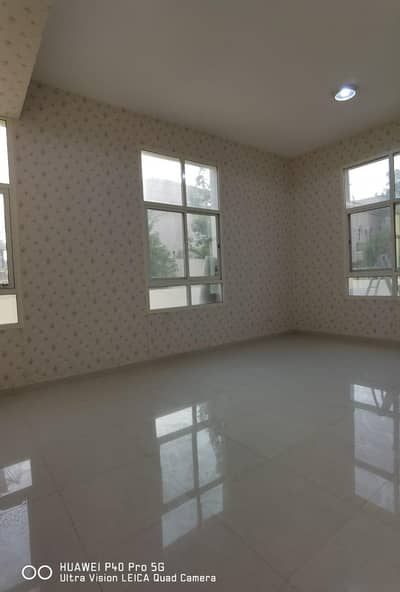 4 Bedroom Apartment for Rent in Mohammed Bin Zayed City, Abu Dhabi - Beautiful 4 Bedroom Apartment for Rent wd Beautiful Garden