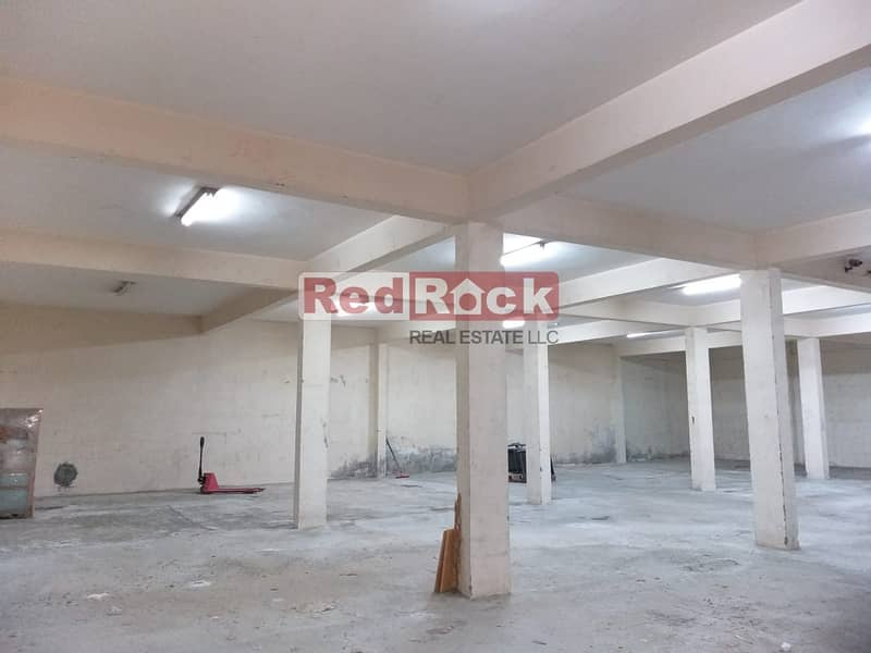 4500 Sqft Warehouse Dedicated Parking in Umm Ramool
