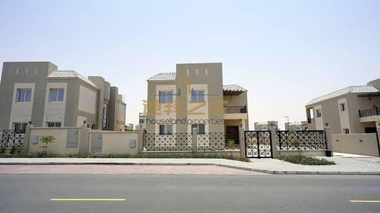فیلا 6 غرف نوم للايجار في دبي لاند، دبي - NEW to market   Huge plot   Vacant 5BR + M villa