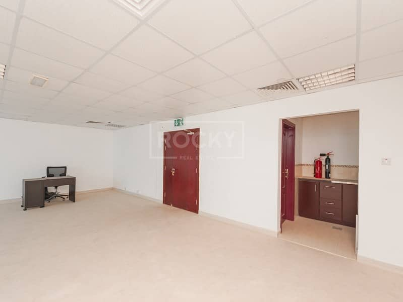 17 High Floor | Fitted | Vacant | Jumeirah Bay X3
