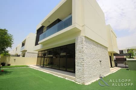 5 Bedroom Villa for Sale in DAMAC Hills (Akoya by DAMAC), Dubai - Upgraded Vacant Villa | V3 | Close to Pool