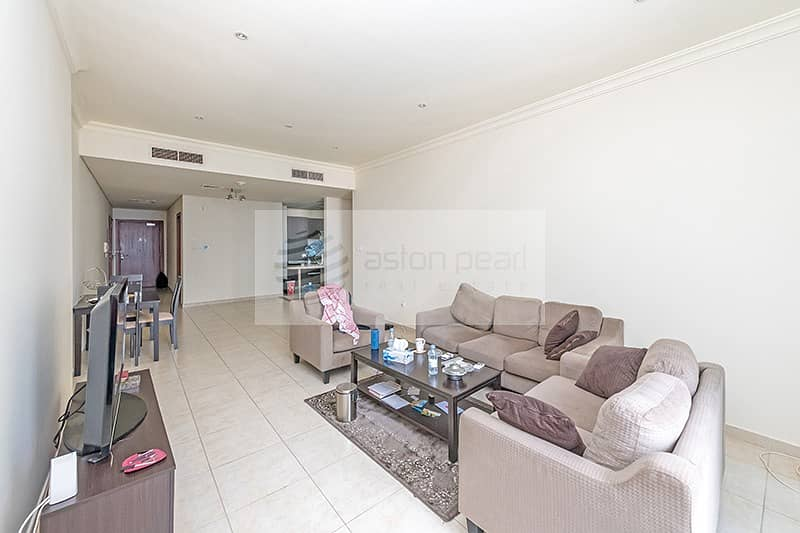 2 EXCLUSIVE   Hot Deal 2 BR   Vacant   Close to Tram