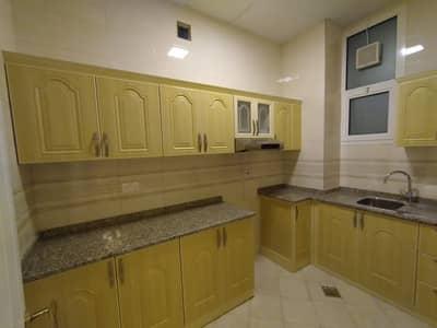 شقة 2 غرفة نوم للايجار في جنوب الشامخة، أبوظبي - شقة في جنوب الشامخة 2 غرف 40000 درهم - 4418184