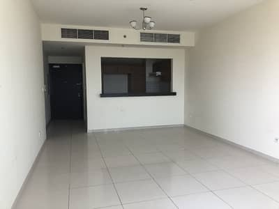 شقة 2 غرفة نوم للبيع في الفرجان، دبي - Well maintained 2br Apt with  a large terrace