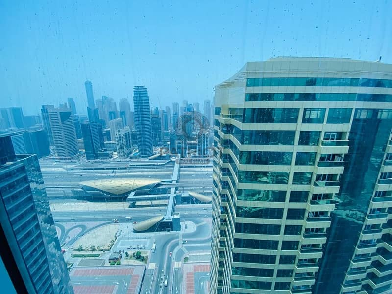 22 Best Deal 3 BHK Prime location Front of JLT metro Station. LAKE TERRACE