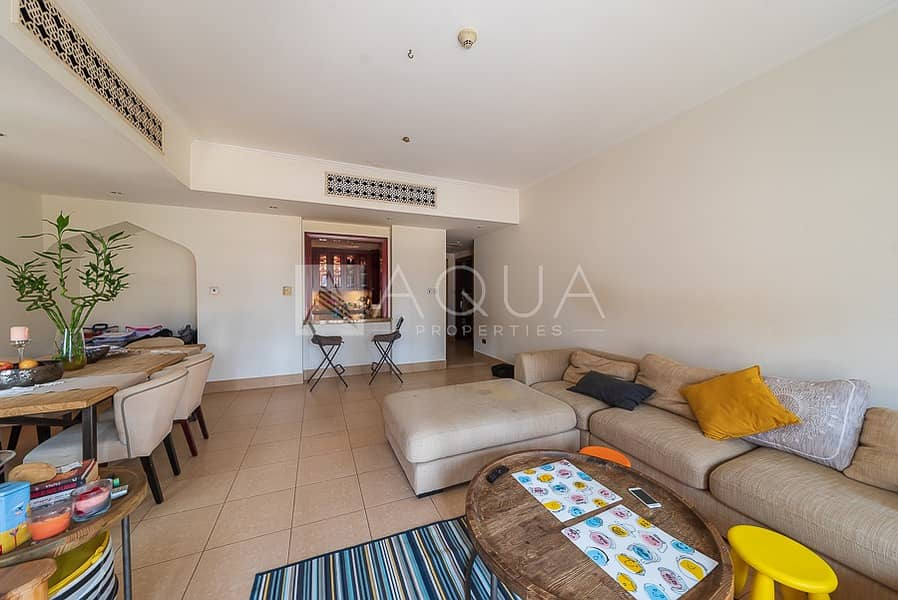 2 Fully Furnished   Spacious   Natural Light