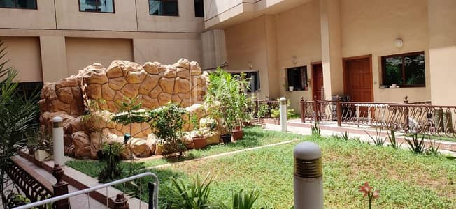 استوديو  للايجار في الكرامة، دبي - Spacious Studio Apartment | Near Metro | 6 Cheques