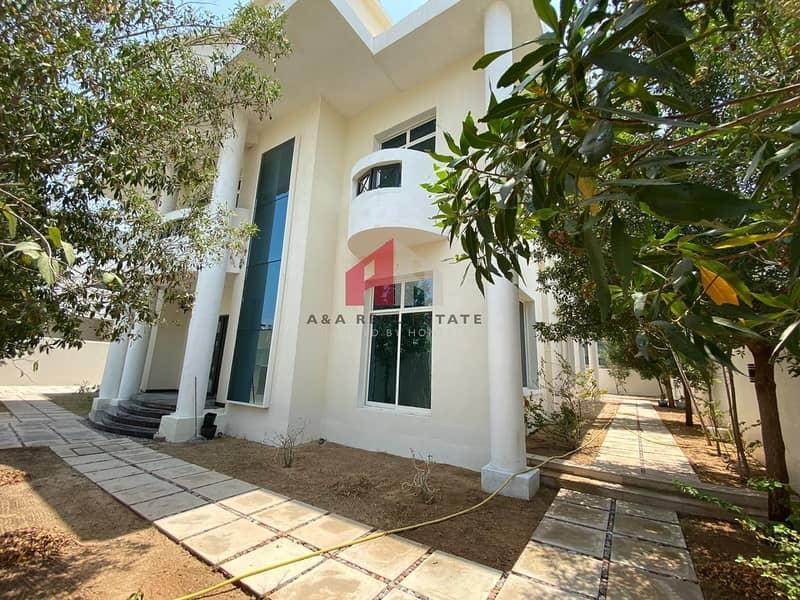 2 Luxuray!! Amazing 06 bedrooms  Villa for Sale in Qouz-4
